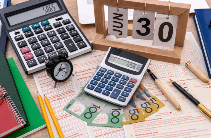 4 tips to make doing your personal tax return as simple and pain free as possible!