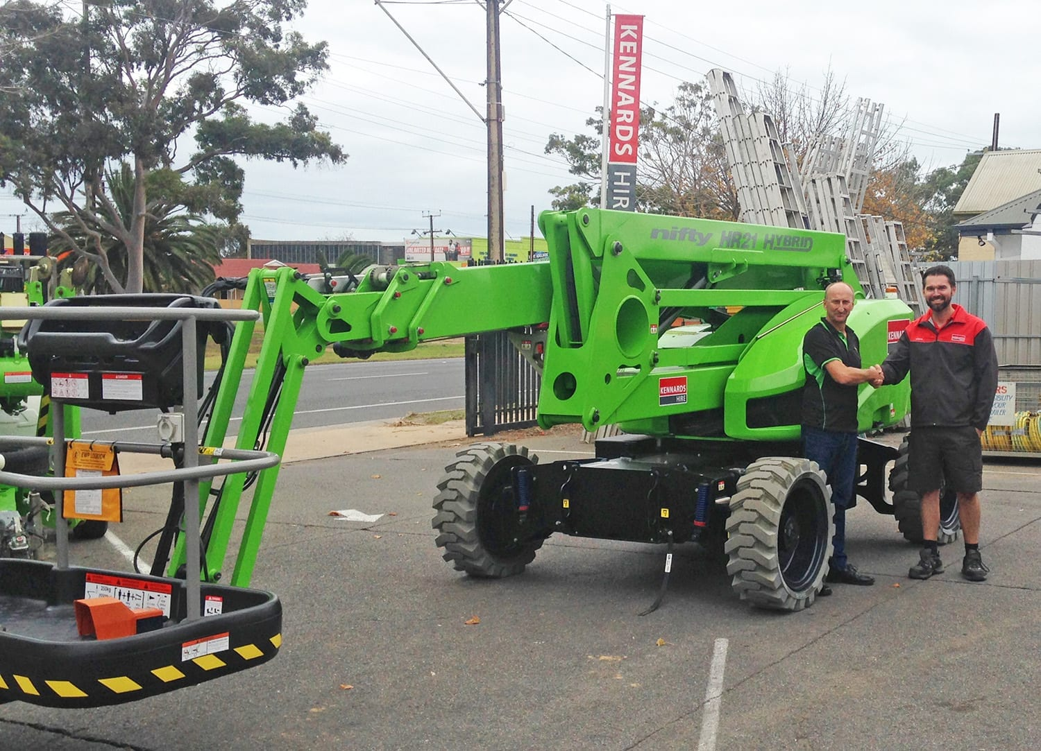Kennards receive their first HR21 Hybrid 4x4