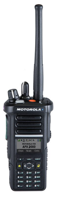 Motorola APX2000 Portable UHF 450-527MHz P25 Model 3 Inc Dual Mic, 1900mAh Li-Ion Battery (NNTN8128), Ant & 2″ Belt Clip, IP67